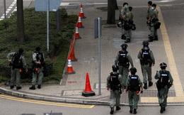 Hồng Kông bàn luật cấm xúc phạm quốc ca Trung Quốc: Cảnh sát ra quân bảo vệ Hội đồng lập pháp