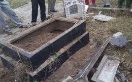 Chủ nợ đào mộ, đốt hài cốt của mẹ vợ con nợ ở Tiền Giang