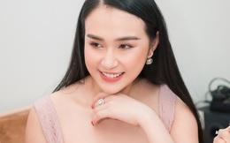 Hương Baby khen ngợi chồng - ca sĩ Tuấn Hưng trong ngày lên chức bà chủ
