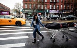 7 ngày qua ảnh: Cô gái kéo xác chết trên đường phố ở New York