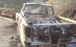 Chiếc xe bán tải cháy trơ khung trên quốc lộ, bên trong có thi thể người bị biến dạng