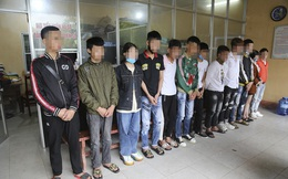 Nhóm thanh thiếu niên chạy xe máy lạng lách, đánh võng, bốc đầu bị công an bắt giữ
