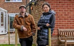 """Công dân Anh hồi hương từ Vũ Hán cảm thấy mình đã """"tránh vỏ dưa, gặp vỏ dừa"""": Lẽ ra tôi không nên rời TQ"""