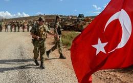 """Nga """"thổi lửa vào gáy"""" Thổ Nhĩ Kỳ ở Idlib: Khôn ngoan làm """"thợ săn"""", yếu đuối thành """"con mồi""""?"""