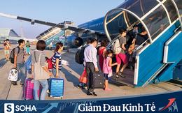 Hàng không tăng tần suất bay và bỏ giãn cách ghế ngồi, giá vé máy bay lập tức đảo chiều