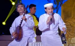 Phi Nhung thót tim khi nghe Quách Ngọc Ngoan hát đờn ca tài tử
