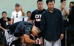 Chạy sang châu Âu trốn nợ, người đàn ông Trung Quốc không biết thực chiến bỗng nhiên thành võ sư nổi tiếng