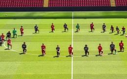 Cả đội Liverpool quỳ gối, hưởng ứng biểu tình đòi công lý cho George Floyd