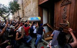 7 ngày qua ảnh: Người biểu tình phá cửa tòa nhà chính quyền bang ở Mexico