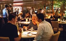 Vì 2 chữ này, 1 nhà hàng nườm nượp khách, 1 nhà hàng lại vắng vẻ đến ảm đạm: Đáng ngẫm