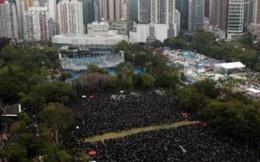 Hàng chục nghìn người Hong Kong đổ xuống đường biểu tình ngày đầu năm mới