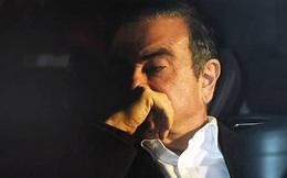 Cựu Chủ tịch Nissan trốn trong hộp đựng nhạc cụ để ra khỏi Nhật Bản