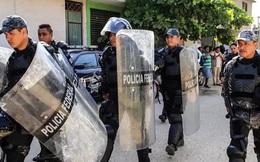 """Trận giao hữu giữa 2 băng đảng tội phạm kết thúc trong """"biển máu"""": 16 người thiệt mạng sau một pha phạm lỗi trong vùng cấm"""