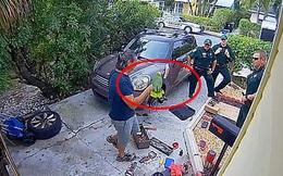 Người phụ nữ nghe tiếng ai đó kêu cứu từ nhà hàng xóm liền gọi báo cảnh sát trước khi bật cười biết được nguồn cơn của âm thanh kia