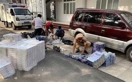 Tạm giữ các đối tượng buôn lậu hơn 15.000 bao thuốc lá ngoại