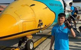 Quang Hải, Đức Chinh hào hứng check in cùng máy bay độc lạ tại Thái Lan khi di chuyển đến địa điểm thi đấu VCK U23 châu Á