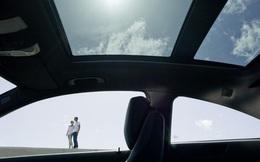 Mercedes-Benz triệu hồi 750.000 xe từ mọi phân khúc vì sợ… bay cửa sổ trời