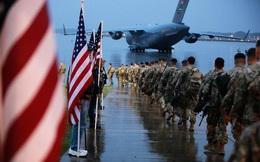 Hình ảnh quân tiếp viện Mỹ trang bị hạng nặng lên đường tới Trung Đông