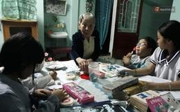 Cụ bà 97 tuổi suốt 25 năm dạy tiếng Anh, tiếng Pháp miễn phí cho học trò nghèo ở Huế