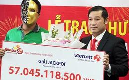 Trúng Vietlott 57 tỉ đồng, tài xế Grabike vẫn chạy xe ôm