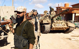 Quân đội Libya chỉ cách trung tâm Tripoli vài km