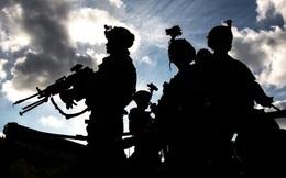 """Tướng Iran """"hé lộ"""" máy bay quân sự chở thi thể binh sĩ Mỹ sau trận không kích"""