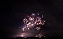 Kinh hoàng hình ảnh núi lửa Philippines phun trào nhìn từ ngoài không gian