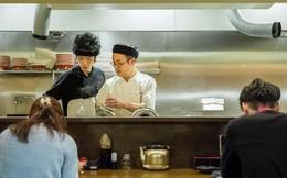 """Sự trỗi dậy của văn hóa """"siêu độc thân"""" ở Nhật Bản: Ăn 1 mình, làm việc 1 mình, thậm chí hát karaoke cũng 1 mình!"""