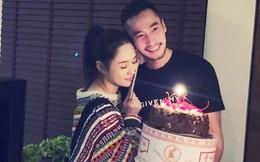 Mặc bao phốt tình ái, lừa đảo của chồng, Chung Hân Đồng vẫn e lệ nép chặt bên ông xã khi được tổ chức sinh nhật