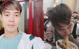 Mồng 1 Tết của cầu thủ tuổi Tý Nguyễn Văn Toàn: Ăn mì tôm ngấu nghiến như bị bỏ đói mấy ngày, bị Đức Huy doạ vào Facebook của bố troll lầy lội