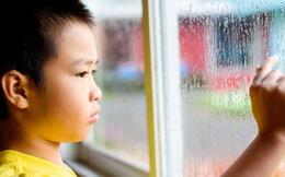 Nếu cứ bắt con phải thực hiện 3 phép lịch sự này thì không khác nào bố mẹ đang dồn con vào tình trạng tổn thương tâm lý