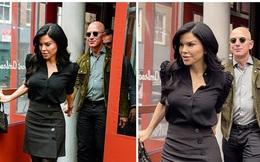 Được bạn gái chủ động nắm tay dắt ra khỏi nhà hàng sang chảnh, vẻ mặt của tỷ phú Amazon thu hút sự chú ý