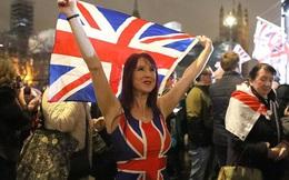 Chùm ảnh: Nước Anh ăn mừng thời khắc Brexit lịch sử sau 'đằng đẵng' đợi chờ