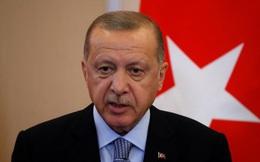 [ẢNH] Vì sao Nga không dám phản ứng mạnh khi Thổ Nhĩ Kỳ yêu cầu trả Crimea cho Ukraine?