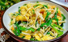 Chỉ thêm 1 nguyên liệu này vào món trứng xào sẽ giúp bạn tăng sức đề kháng cực hiệu quả
