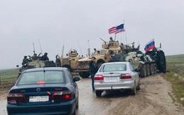 Lực lượng Mỹ chặn đường đội tuần tra Nga tại Đông Bắc Syria