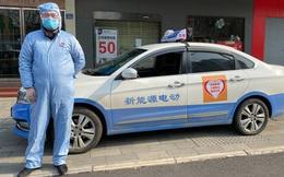Taxi từ thiện giữa tâm dịch Vũ Hán