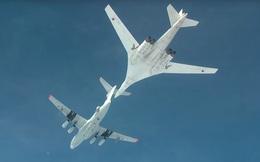 """Cận cảnh oanh tạc cơ Tu-160M được Nga """"độ"""" thêm cất cánh lần đầu"""