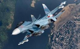 Su-27 và Su-30SM của Nga khoe uy lực trong cuộc không chiến
