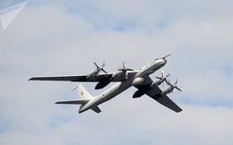 """3 """"sát thủ săn ngầm"""" Tu-142 của Nga diễn tập """"vờn"""" tàu ngầm ở Bắc Cực"""