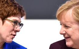 Người kế nhiệm Thủ tướng Đức Angela Merkel bất ngờ từ chức