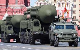 Nga phô diễn gần 400 vũ khí hạng nặng trong lễ diễu binh hoành tráng