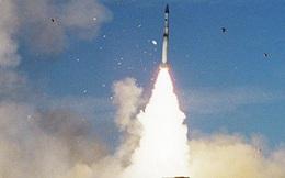 """Israel liên tiếp không kích Syria """"dễ như ăn kẹo"""": Vì sao S-300 vẫn không """"khai hỏa""""?"""