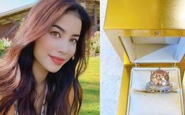 """Phạm Hương làm dân tình ghen """"nổ mắt"""" với món quà khủng dịp Valentine: Nhẫn kim cương to thế này, ai làm lại chị?"""