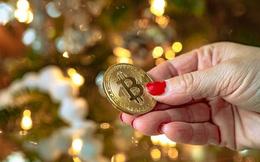 Bitcoin lại tăng dựng đứng, vượt ngưỡng 10.000 USD