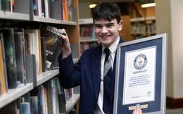 Nhớ được 129 cuốn sách chỉ nhờ vào câu đầu tiên, nam sinh 14 tuổi lập kỷ lục Guinness