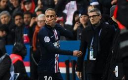 Cầu thủ đắt giá nhất thế giới vỗ tay sau khi bị đuổi khỏi sân, dân mạng nhanh chóng tìm ra lý do tưởng không liên quan nhưng lại hết sức thuyết phục