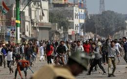 Bạo lực bùng phát ở thủ đô Ấn Độ, 95 người thương vong