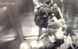 Khoảnh khắc ám ảnh: Chó lao vào thang máy tấn công bé trai 18 tháng tuổi, bảo mẫu đi cùng trở tay không kịp
