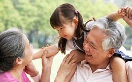 Bố mẹ đừng phó thác con cho ông bà trông nom hoàn toàn bởi con có thể phải chịu 5 ảnh hưởng tiêu cực sau đây